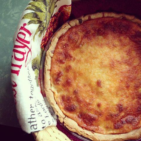 phoebes pure food tomato pie