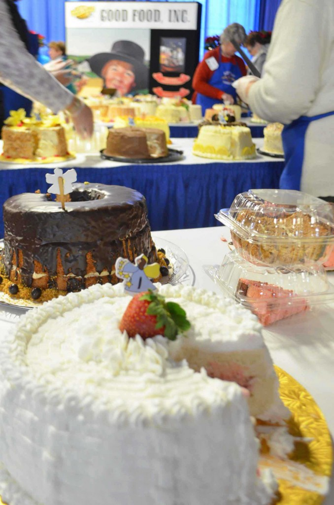 farm-show-cakes-phoebes-pure-food