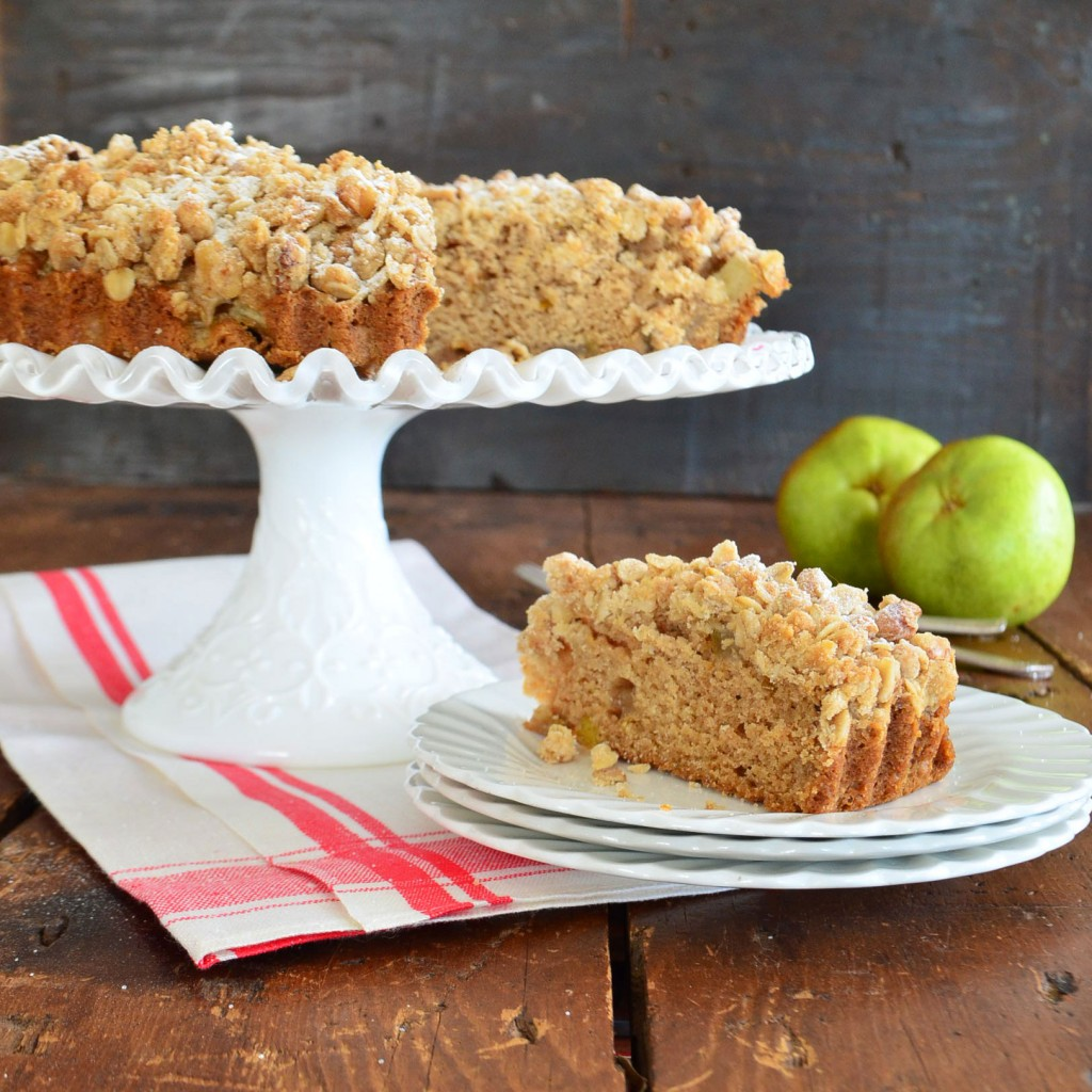 apple cardamom crumb cake