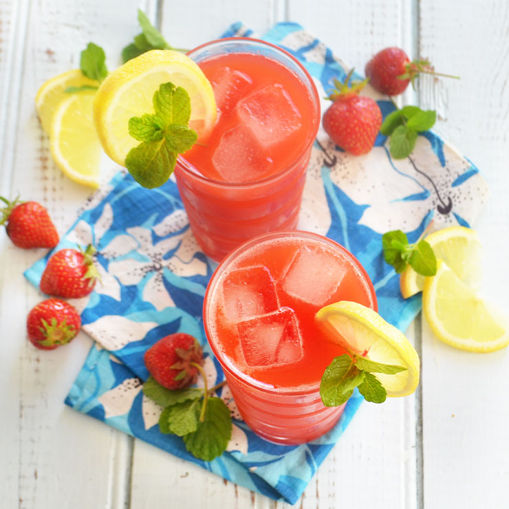 summertime berry lemonade